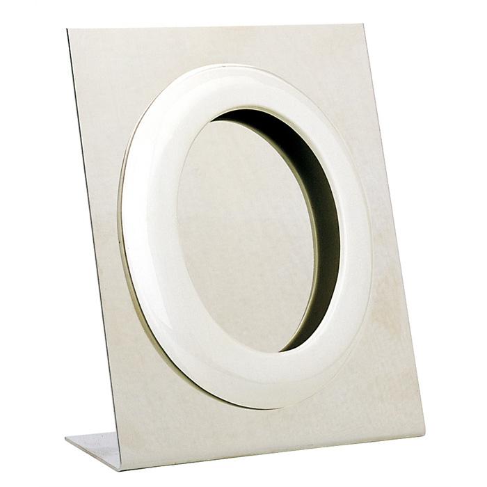 Cornice porta foto ovale bianca montaggio a terra for Cornice bianca foto